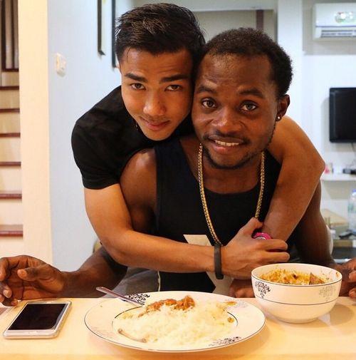 Hot boy ĐT Thái Lan tung ảnh 'nóng' chứng minh giới tính - Ảnh 9