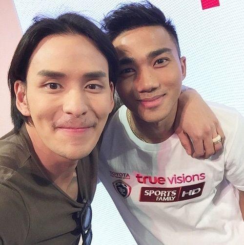 Hot boy ĐT Thái Lan tung ảnh 'nóng' chứng minh giới tính - Ảnh 10