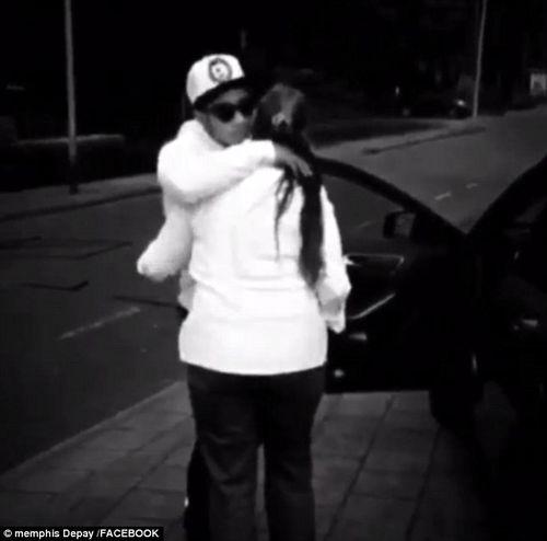 Memphis Depay mua ô tô mới tặng mẹ, trải lòng về quyết định tới M.U - Ảnh 2