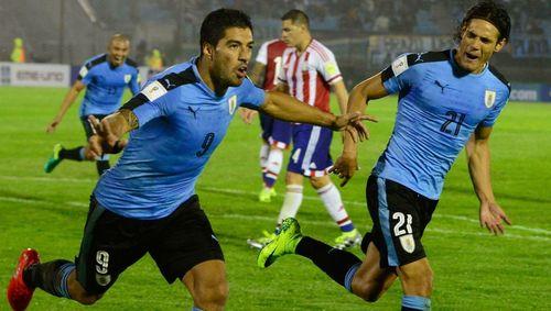 Suarez đánh gót kiến tạo như có mắt sau lưng, Cavani ghi bàn hủy diệt Venezue - Ảnh 1