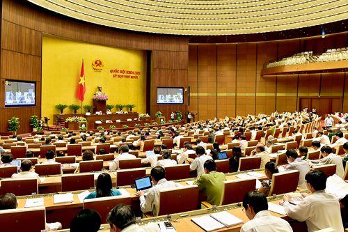 Quốc hội thông qua Nghị quyết về phát triển KT-XH năm 2016 - Ảnh 1