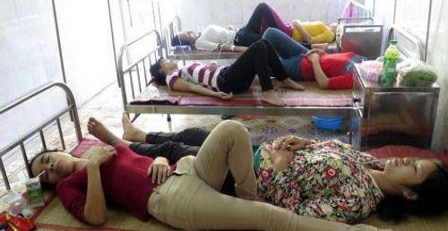 50 công nhân ngộ độc tại Nam Định: Lời kể hãi hùng về suất cơm - Ảnh 2