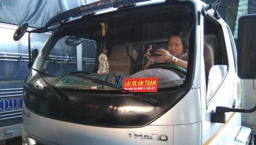 Sự thật về thông tin xử phạt 3 triệu đồng xe tải thiếu khẩu hiệu an toàn - Ảnh 1