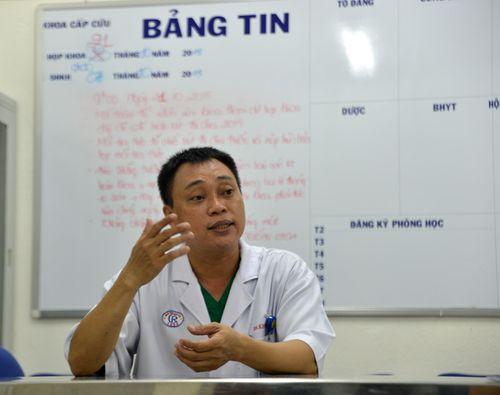 Bệnh nhân rút dao cấm bác sĩ nhổ răng của con - Ảnh 1