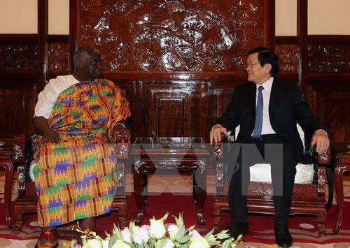Chủ tịch nước Trương Tấn Sang tiếp các Đại sứ trình quốc thư - Ảnh 2