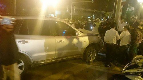 2 ô tô truy đuổi trên đường Phạm Hùng, ít nhất 3 người thương vong - Ảnh 2