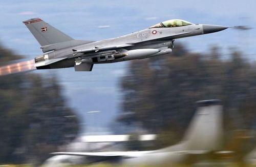 Đan Mạch sẽ đưa các máy bay chiến đấu F-16 không kích IS ở Syria - Ảnh 1