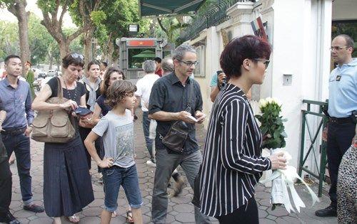 Khủng bố tại Pháp: Biển người trên khắp thế giới tưởng niệm các nạn nhân  - Ảnh 9