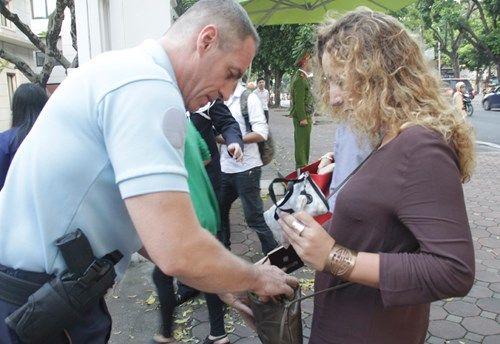 Khủng bố tại Pháp: Biển người trên khắp thế giới tưởng niệm các nạn nhân  - Ảnh 11