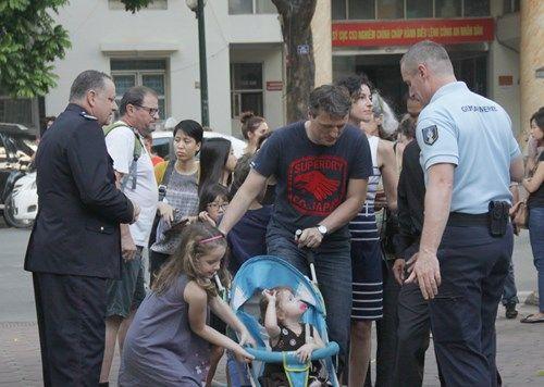 Khủng bố tại Pháp: Biển người trên khắp thế giới tưởng niệm các nạn nhân  - Ảnh 13
