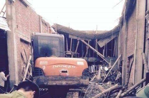 Bất ngờ nhà sập khi đổ mái bê-tông, 6 người thương vong - Ảnh 2