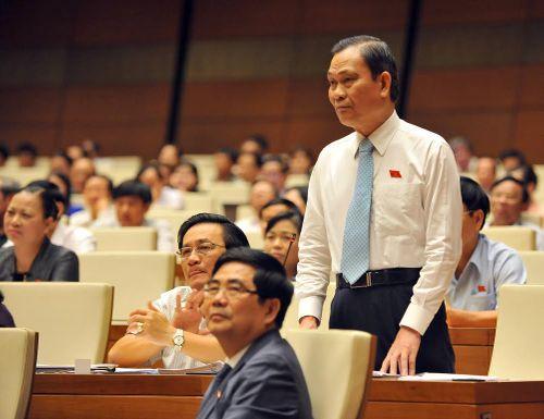 Chất vấn nảy lửa Chủ tịch QH - Bộ trưởng Nội vụ - Ảnh 1