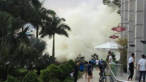 Hoảng loạn tháo chạy vì khói mù mịt ở Parkson Lê Đại Hành - Ảnh 1