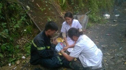Sập mỏ than ở Hòa Bình: Công tác cứu hộ khó khăn do mưa lớn - Ảnh 2