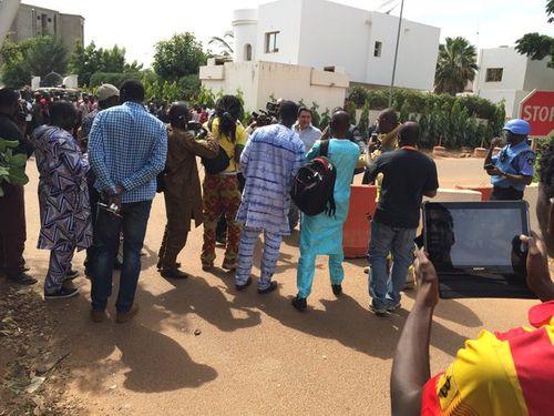 Hình ảnh đặc nhiệm Mali đột kích giải cứu 170 con tin - Ảnh 9