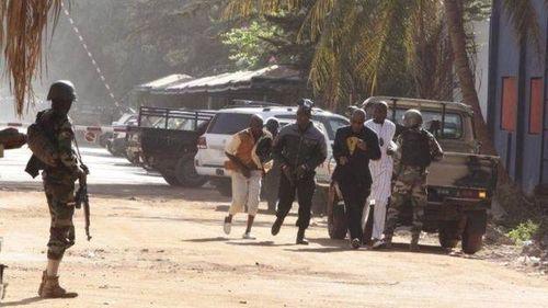 Hình ảnh đặc nhiệm Mali đột kích giải cứu 170 con tin - Ảnh 4