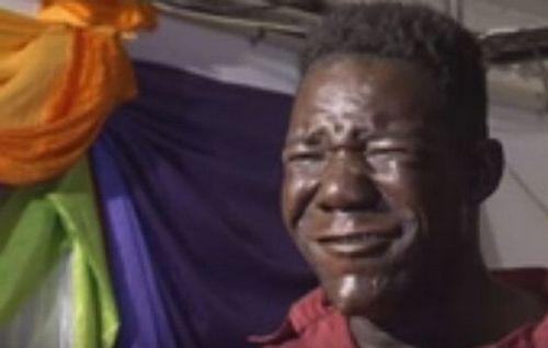 Khóc, cười với cuộc thi 'Quý ông xấu xí' Zimbabwe - Ảnh 2