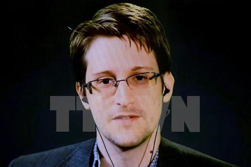 Cựu trùm CIA: Snowden chịu một phần trách nhiệm về vụ khủng bố ở Paris - Ảnh 1
