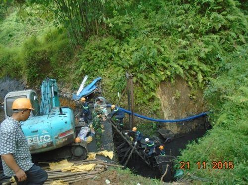 Sập mỏ than ở Hòa Bình: Nhìn lại 6 ngày bới từng mét bùn tìm nạn nhân  - Ảnh 6