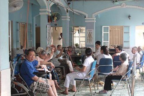 Năm 2050, Việt Nam sẽ là quốc gia có dân số siêu già  - Ảnh 2