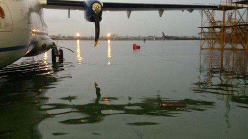 Sân bay Tân Sơn Nhất: Ngập không đáng lo, kẹt xe mới kinh hoàng - Ảnh 1