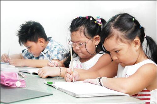 Phương pháp dạy trẻ vào lớp 1 để có đủ tự tin khi tới trường - Ảnh 1