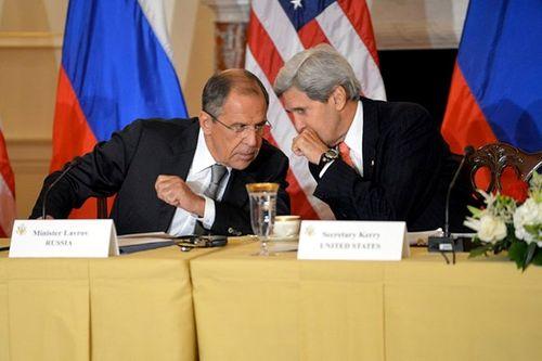 Ngoại trưởng Nga, Mỹ điện đàm về cuộc khủng hoảng tại Syria - Ảnh 1