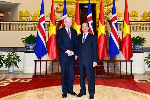 Thủ tướng Nguyễn Tấn Dũng hội kiến Tổng thống Cộng hòa Iceland - Ảnh 1