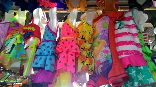 """Áo tắm trẻ em siêu rẻ: Cẩn thận """"rước bệnh"""" cho trẻ - Ảnh 1"""