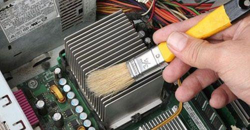 Những thói quen tàn phá máy tính của bạn - Ảnh 1