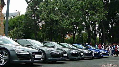 """Dàn siêu xe Audi R8 """"náo động"""" đường phố Sài Gòn - Ảnh 1"""