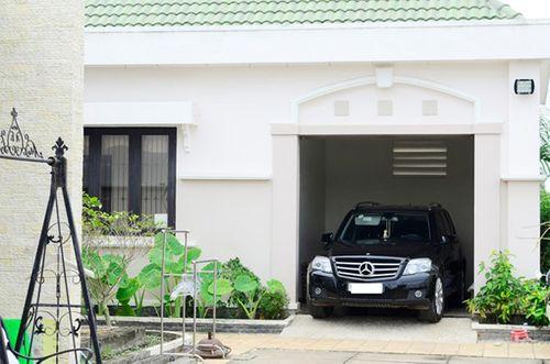 Để xe ô tô trong nhà thế nào để không gây nguy hiểm? - Ảnh 1