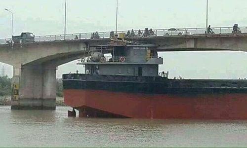 Hé lộ nhiều sai phạm của tàu hàng đâm cầu An Thái? - Ảnh 1