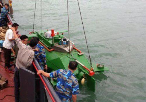 Tàu ngầm mini Hoàng Sa chạy thử thành công trên biển - Ảnh 2