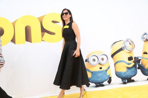 Sandra Bullock bị bao vây bởi đội quân nhí Minions - Ảnh 2