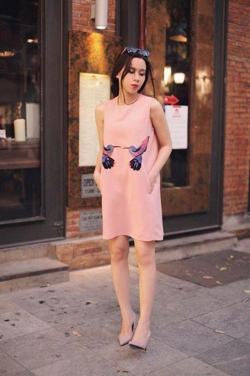 Hà Tăng, Ngọc Trinh, Minh Hằng khoe vóc dáng xinh tươi với váy ngắn - Ảnh 6