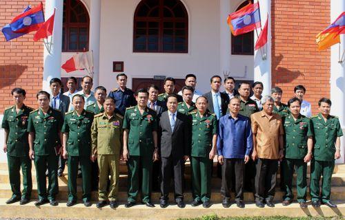 7 cán bộ, chiến sỹ BĐBP Hà Tĩnh đón nhận Huân chương LĐ hạng Ba của CHDCND Lào - Ảnh 2