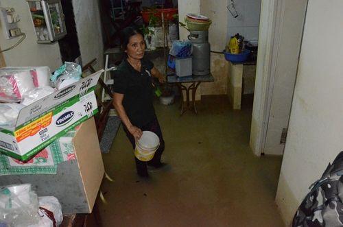 Khánh Hòa: 6 người chết, hàng trăm ngôi nhà bị ngập do mưa lớn - Ảnh 1