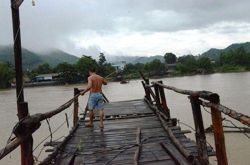 Khánh Hòa: 6 người chết, hàng trăm ngôi nhà bị ngập do mưa lớn - Ảnh 2