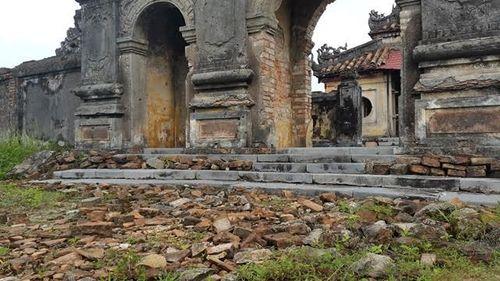 """Thừa Thiên - Huế: Nhiều di tích đứng trước nguy cơ bị """"xóa sổ""""  - Ảnh 2"""