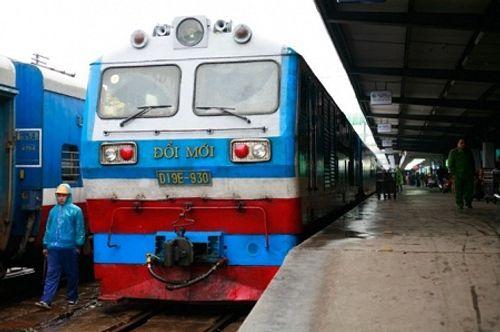 Vụ mua toa tàu cũ Trung Quốc: Lãnh đạo đường sắt quyết không nhận lỗi - Ảnh 1