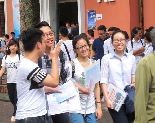 Kỳ thi THPT Quốc gia 2016: 63 thí sinh vi phạm kỷ luật ngày thi đầu tiên - Ảnh 1