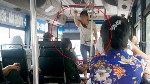 Đình chỉ nhân viên xe buýt quát, dọa đuổi ông lão vì 5.000 đồng  - Ảnh 1