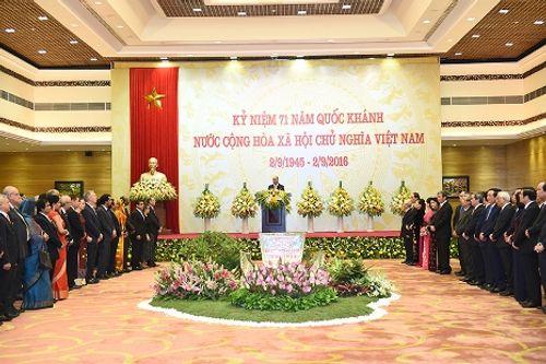 Thủ tướng Nguyễn Xuân Phúc chủ trì tiệc chiêu đãi quốc tế dịp Quốc khánh 2/9 - Ảnh 2