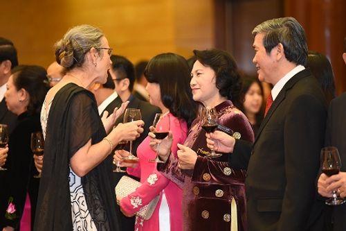 Thủ tướng Nguyễn Xuân Phúc chủ trì tiệc chiêu đãi quốc tế dịp Quốc khánh 2/9 - Ảnh 4