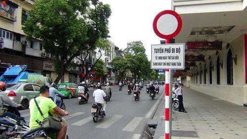Hà Nội: Vẫn cấm ôtô, xe máy vào phố đi bộ quanh Hồ Gươm - Ảnh 2