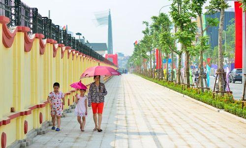 Đề xuất dùng gạch giả đá lát vỉa hè ở Hà Nội - Ảnh 1
