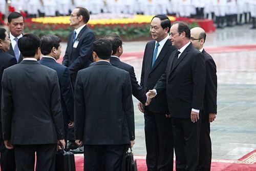 Hình ảnh Chủ tịch nước đón Tổng thống Pháp tại Phủ Chủ tịch - Ảnh 3