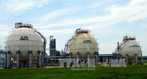 Diễn tập chống khủng bố tại nhà máy lọc dầu Dung Quất  - Ảnh 1