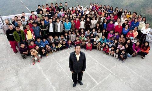 Sốc với người đàn ông có 39 vợ, 94 con và 33 cháu - Ảnh 1